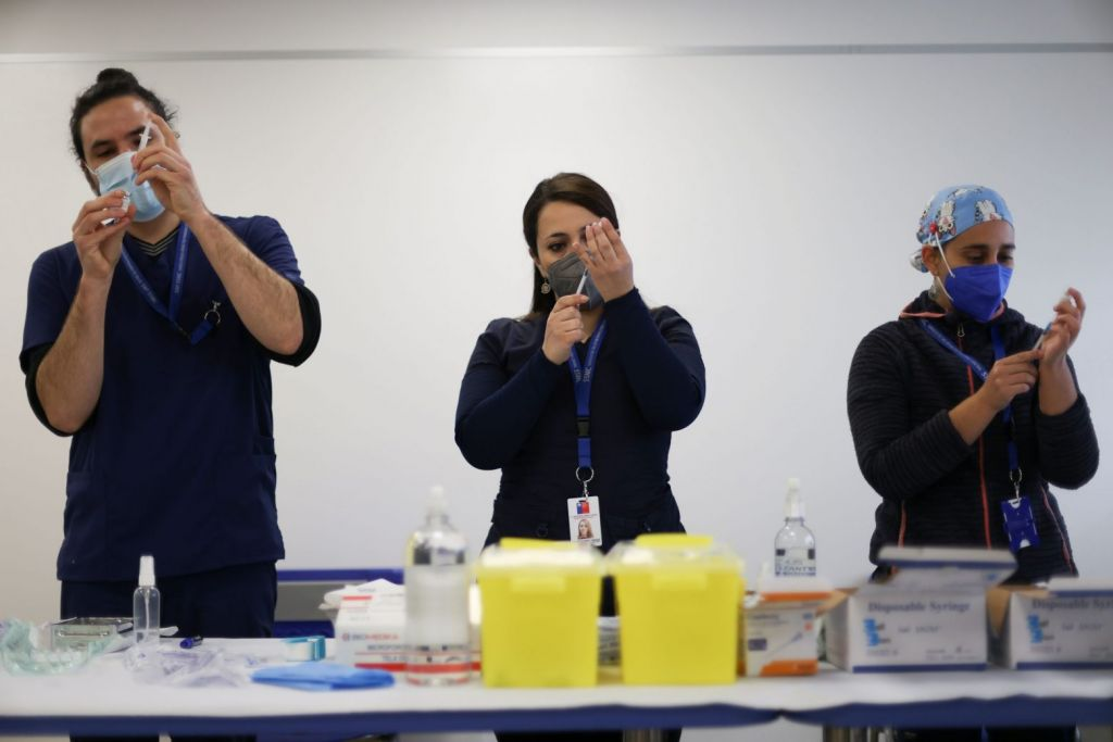 Μετάλλαξη Δέλτα: Αποτελεσματικά τα διαθέσιμα εμβόλια, διαβεβαιώνει ο ΕΜΑ