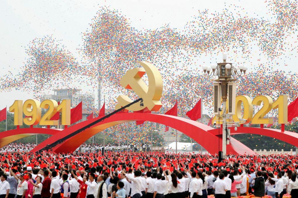 Γενέθλια για το Κομμουνιστικό Κόμμα Κίνας: Κρατά την εξουσία στα χέρια του 100 χρόνια μετά…