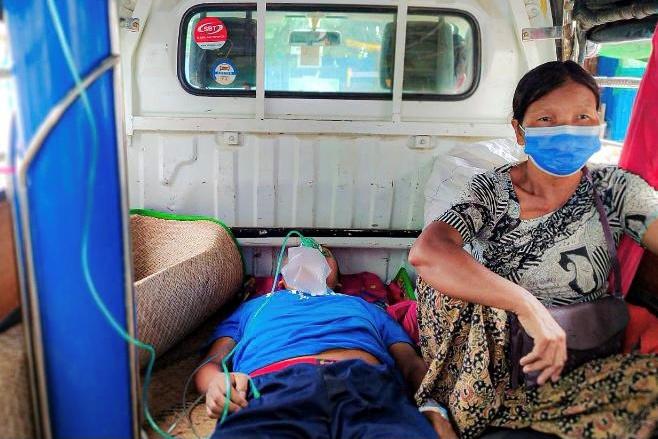 Ο κοροναϊός «θα μολύνει τη μισή Μιανμάρ σε δύο εβδομάδες»