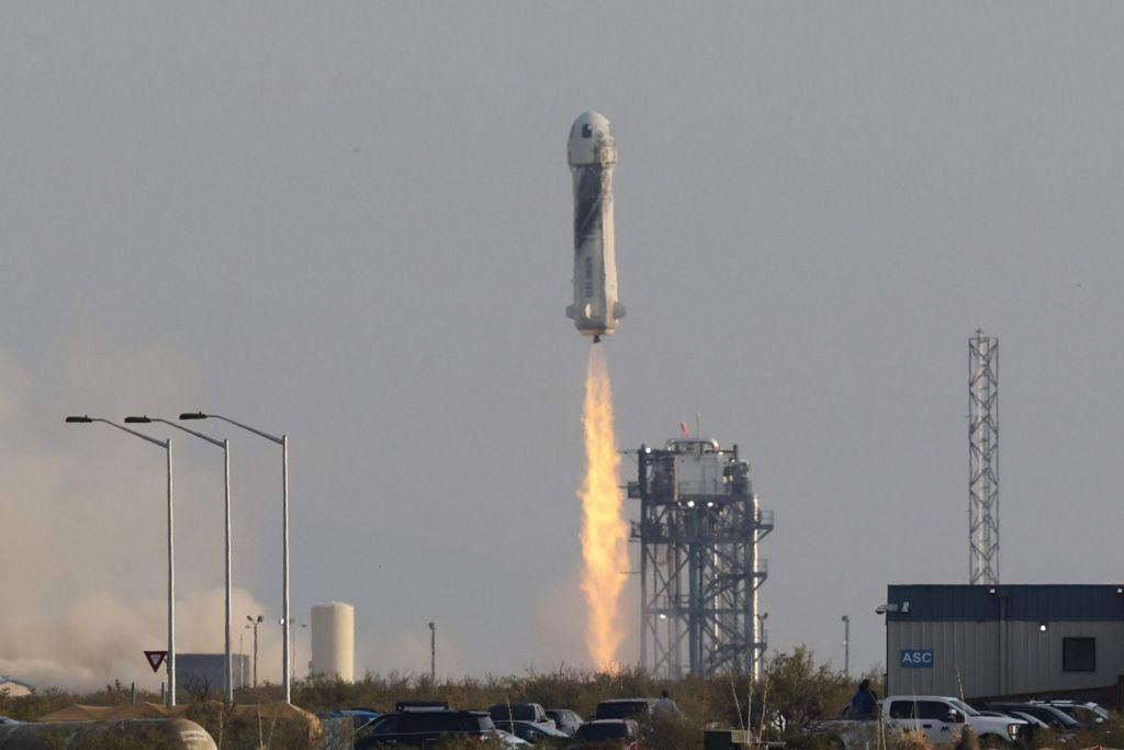 Blue Origin: Τα 100 εκατ. δολάρια έφτασαν οι προκρατήσεις για το Διάστημα