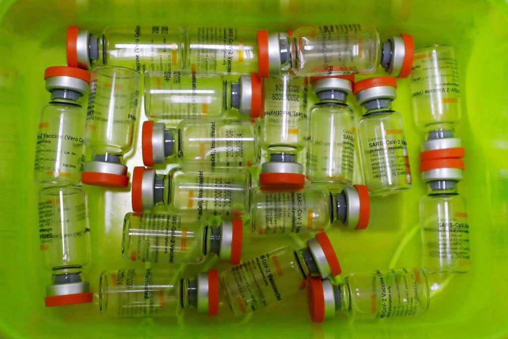 Κοροναϊός: Νέα μελέτη στηρίζει τον συνδυασμό εμβολίων – Ποιες χώρες τον εξετάζουν
