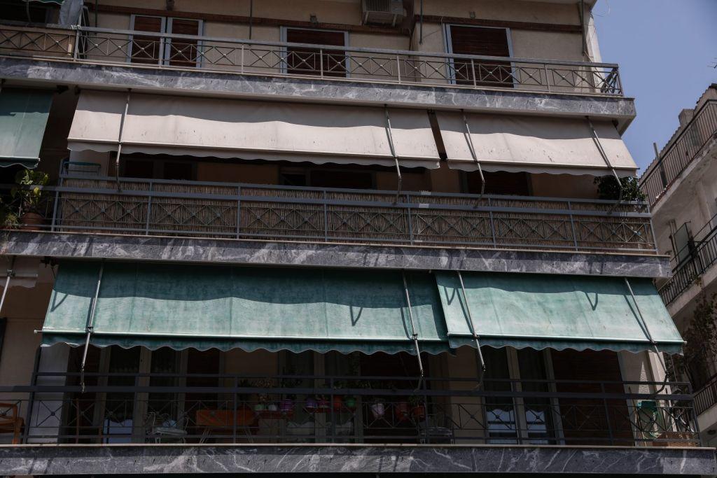 Έγκλημα στη Δάφνη: Σοκαριστική αποκάλυψη απο γειτόνισσα-Πήγε στη δουλειά του, γύρισε και την σκότωσε