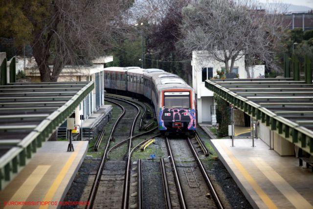 ΗΣΑΠ: Κυκλοφοριακές ρυθμίσεις λόγω της φωτιάς μεταξύ των σταθμών Πειραιάς-Φάληρο
