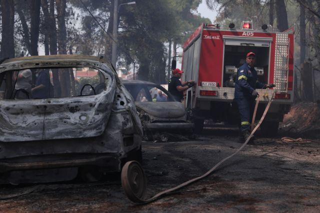 Φωτιά σε Σταμάτα – Ροδόπολη: Τουλάχιστον 20 σπίτια έγιναν στάχτη – Σημαντικό ότι ανακόπηκε η πορεία προς Πεντέλη