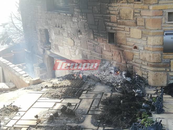 Πάτρα: Στο έλεος της φωτιάς σπίτια – Οι πρώτες εικόνες