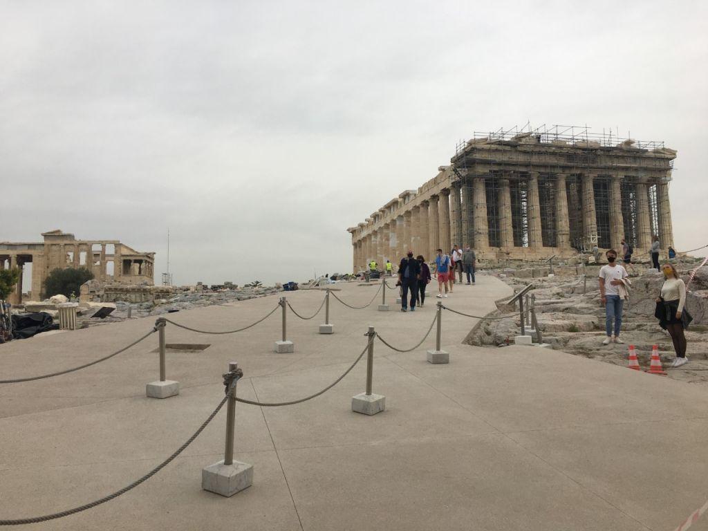 Ακρόπολη: ο Σύλλογος Αρχαιολόγων ζητά αναπομπή – ακύρωση της έγκρισης των έργων