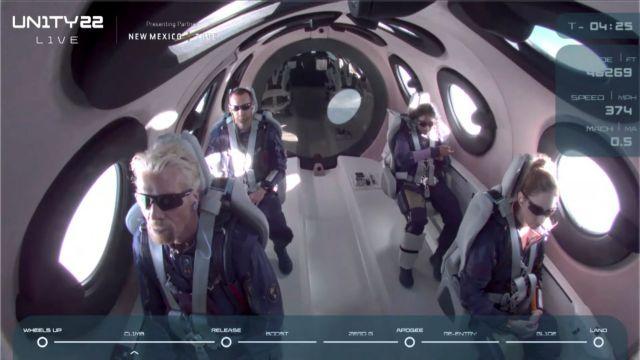 Ρίτσαρντ Μπράνσον: Ιστορική πτήση στο Διάστημα