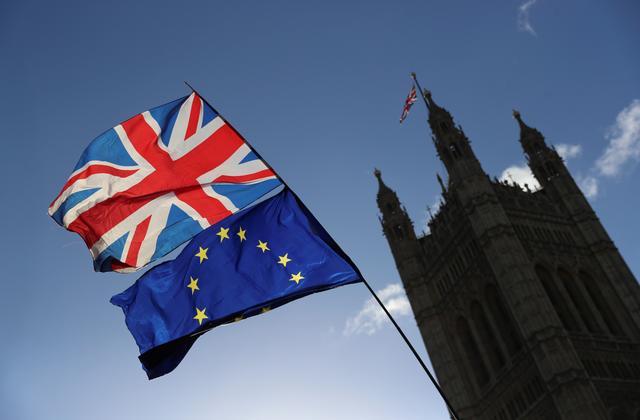 Brexit: Η Βρετανία έλαβε 6 εκατ. αιτήσεις για το πρόγραμμα εγκατάστασης από πολίτες της ΕΕ