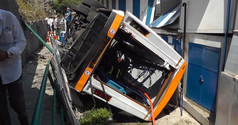 Ιταλία: 19 τραυματίες και ένας νεκρός σε δυστύχημα με λεωφορείο