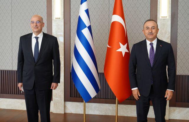 Τηλεφωνική συνομιλία Δένδια – Τσαβούσογλου για την πυρκαγιά στην Τουρκία