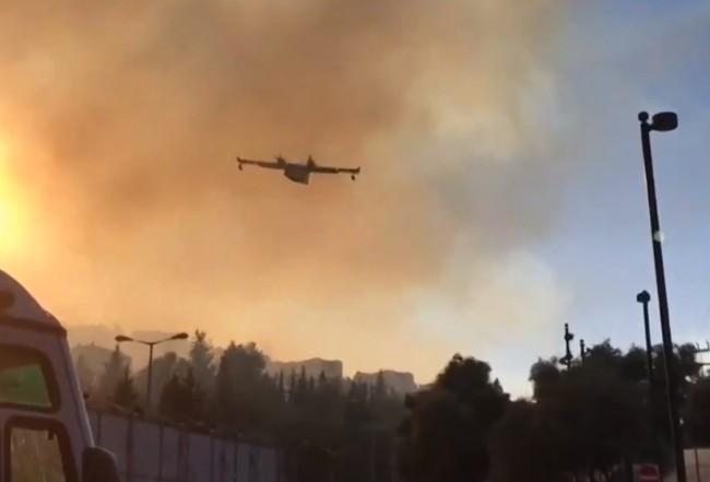 Το MEGA στη βάση των ιπτάμενων ηρώων με τα Canadair – Τι λένε οι ιπτάμενοι πυροσβέστες