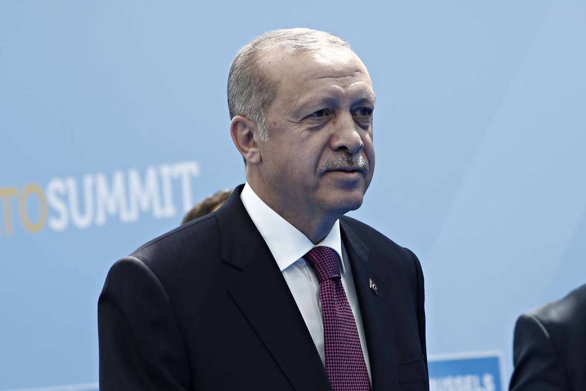 Ερντογάν: Νέα ερωτηματικά για την υγεία του – Το βίντεο που προκάλεσε την οργή του