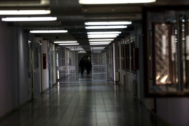 Οικονόμου: 4.152 οι εμβολιασμένοι στις φυλακές από περίπου 6.000 που έχουν ζητήσει