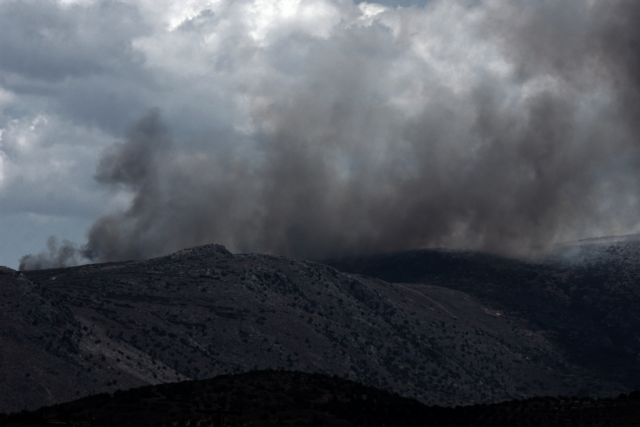 Κιλκίς: Μαίνεται η φωτιά στο δάσος του Σκρα