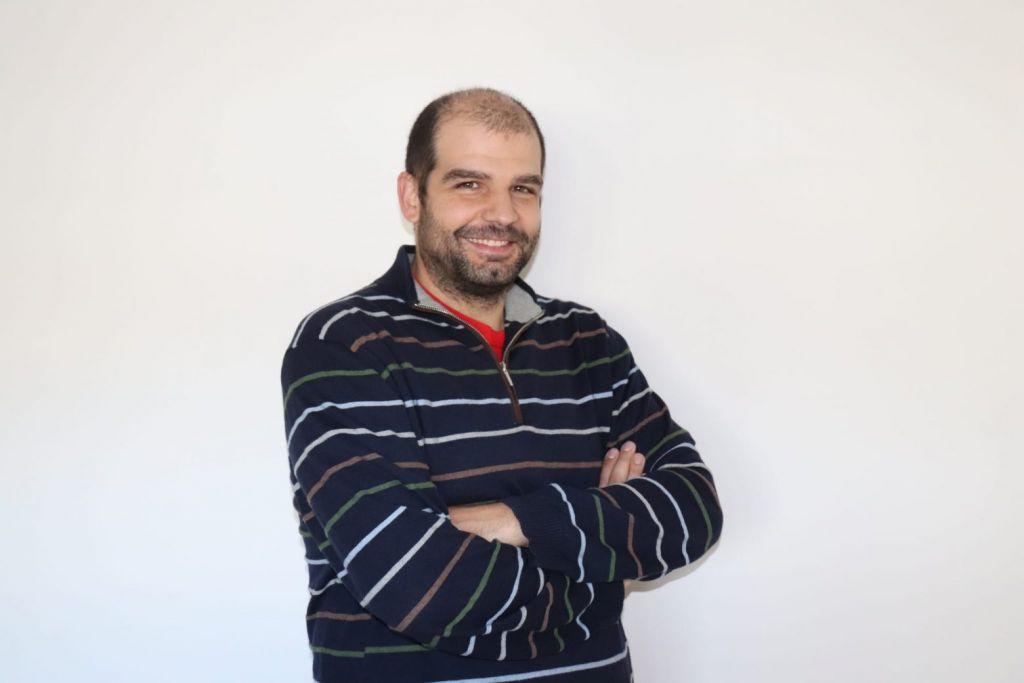 Ο Ισπανός βιογράφος του Γιάννη Αντετοκούνμπο μιλά στο in.gr
