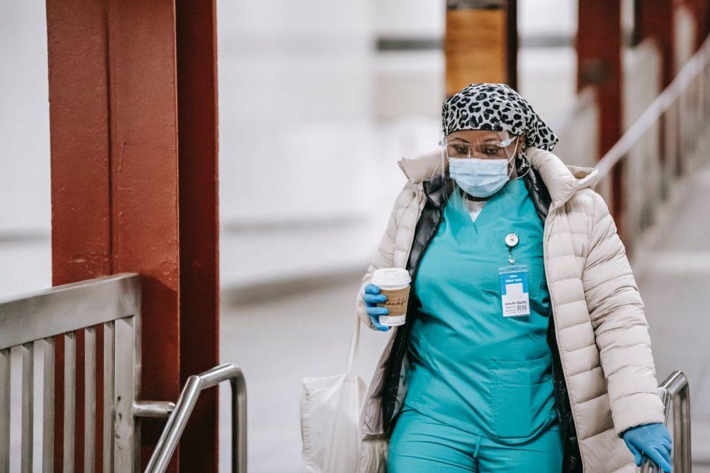 Γαλλία: Τουλάχιστον 40 εκατομμύρια πολίτες έχουν κάνει την πρώτη δόση του εμβολίου