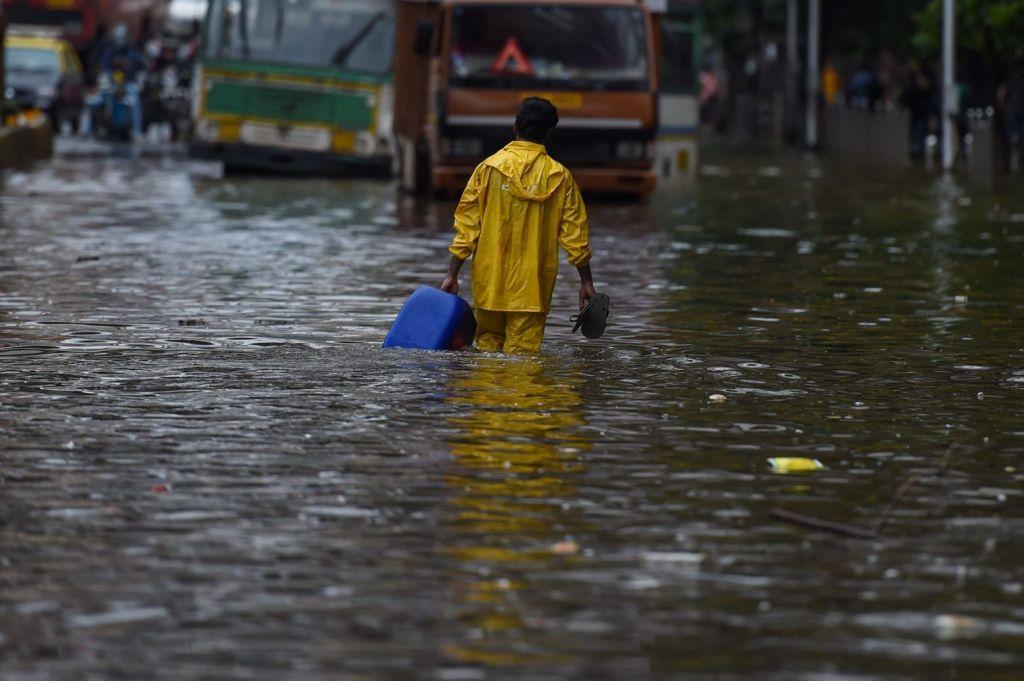 Ινδία: Τουλάχιστον 18 νεκροί εξαιτίας των βροχοπτώσεων