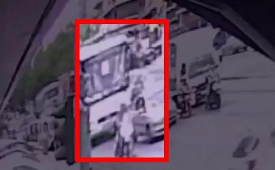 Νίκαια: Βίντεο ντοκουμέντο από την τραγωδία με την 6χρονη