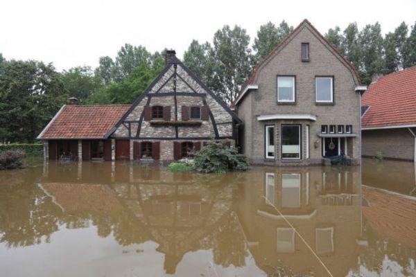 Ολλανδία: Σε κατάσταση εθνικής ανάγκης λόγω πλημμυρών
