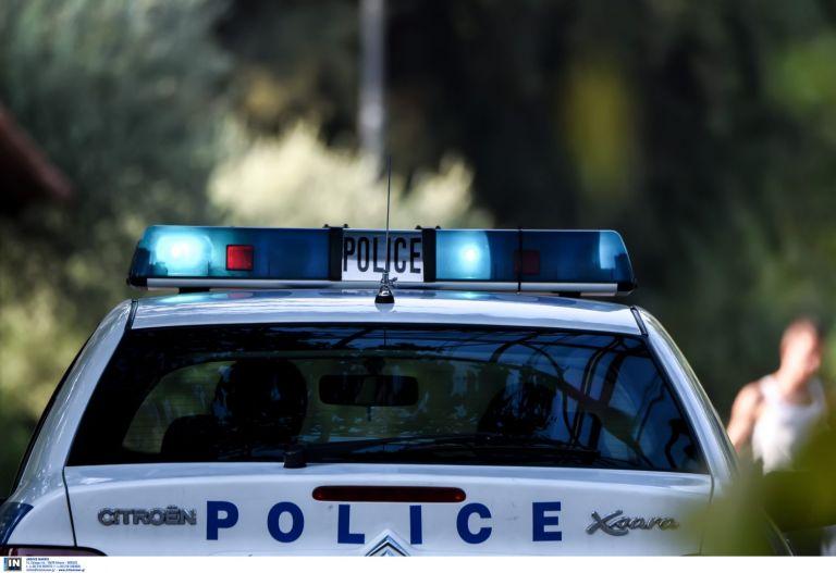 Ποσειδώνος: Χτύπησε 21χρονο και τον εγκατέλειψε – Αναζητείται ο οδηγός