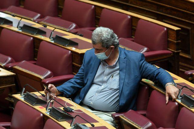 Σόου Πολάκη στη Βουλή για τα πόθεν έσχες
