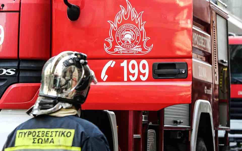 Κόρινθος: Μια σύλληψη για την φωτιά στο Καλέντζι – Σε εξέλιξη το πύρινο μέτωπο