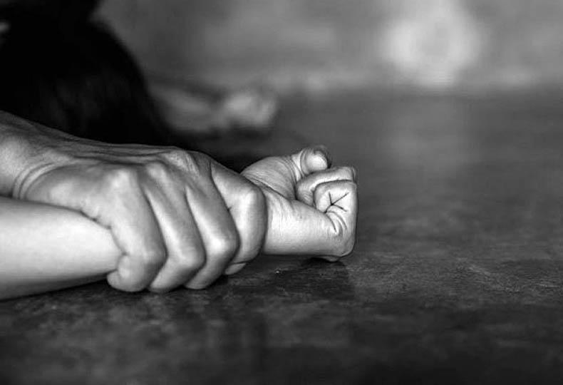 Καταγγελία: Αστυνομικός κακοποιούσε και εξέδιδε 18χρονη – Στο Εσωτερικών Υποθέσεων η κοπέλα