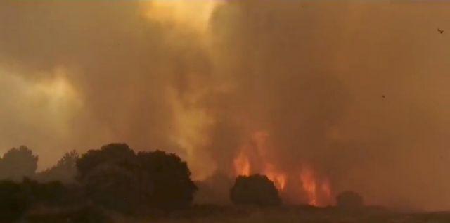 Ιταλία: Για τρίτη ημέρα συνεχίζει να καίγεται η Σαρδηνία – Ανησυχία προκαλούν οι ισχυροί άνεμοι