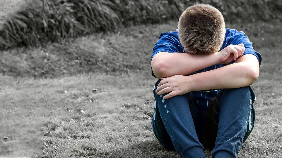Υπόθεση κακοποίησης στα Χανιά: Κάποιοι ήξεραν αλλά δεν μίλησαν ποτέ – Το παιδί κοιμόταν σε χωράφια τα βράδια