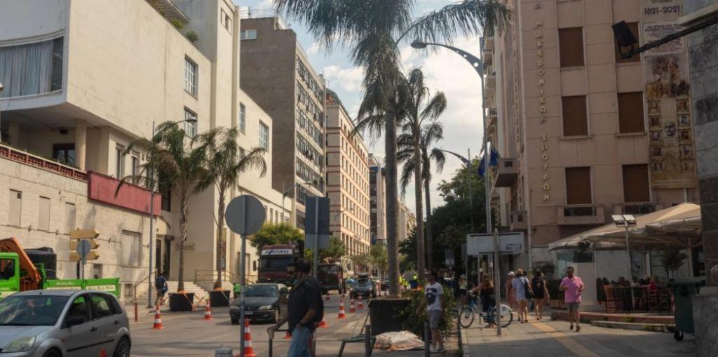 Ταινία Αντόνιο Μπαντέρας: Σε… Μαϊάμι μετατρέπεται το κέντρο της Θεσσαλονίκης -Αμερικανικά περιπολικά και φοίνικες