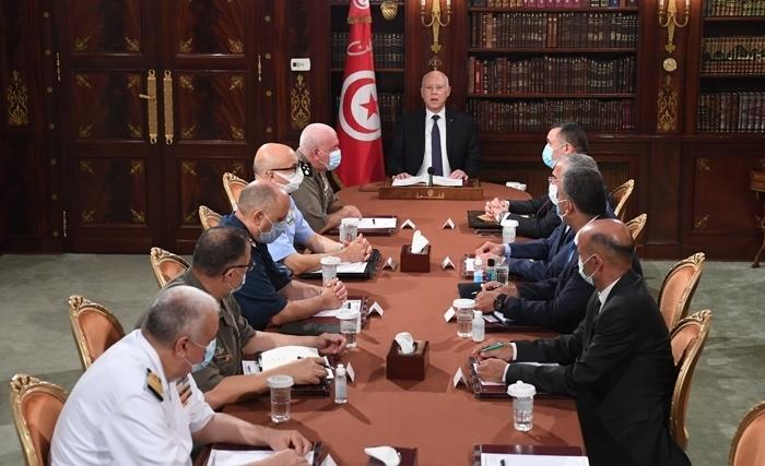 Τυνησία: Στρατιωτικά οχήματα περικύκλωσαν το Κοινοβούλιο