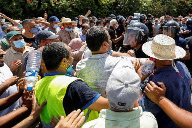 Τυνησία: Απαγόρευση κυκλοφορίας επέβαλε ο πρόεδρος της Τυνησίας