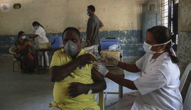 Κοροναϊός: Παραμένει ανέφικτη η παγκόσμια ανοσία της αγέλης λόγω άνισης κατανομής των εμβολίων
