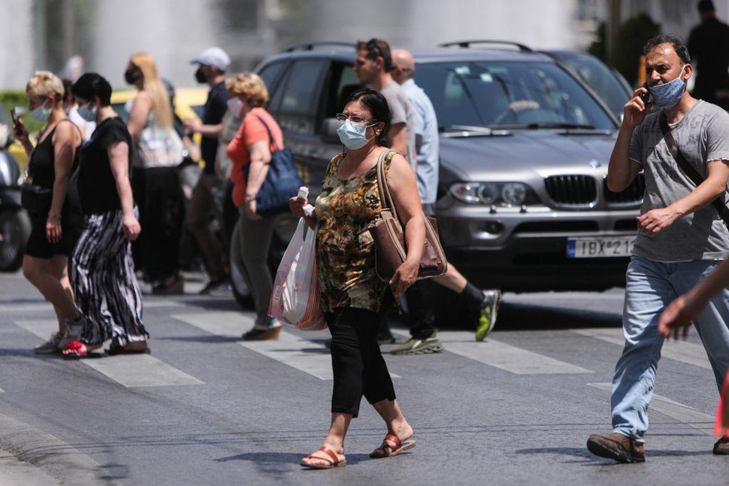 Φόβοι ότι θα επιστρέψουν οι μάσκες παντού λόγω μεταλλάξεων – 100% πιο μεταδοτική η Δέλτα