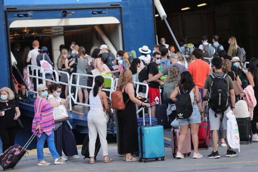 Μετακινήσεις στα νησιά: Αλλάζουν όλα από 5 Ιουλίου – Πότε απαιτείται τεστ, ποια είναι η διαδικασία επιβίβασης