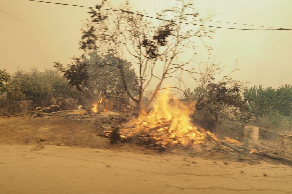 Μεγάλη φωτιά και στη Μεσσηνία – Εκκενώνονται χωριά – Μήνυμα του 112
