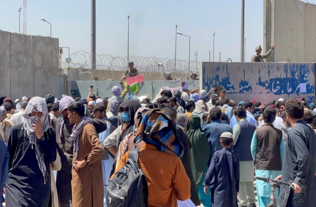 Αφγανιστάν – Γέννησε την κόρη της μόλις έφτασε στην Ιταλία – Ο άνδρας της εκτελέστηκε από τους Ταλιμπάν