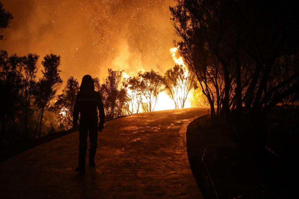 Φωτιές Εύβοια και Ηλεία – Συγκλονιστικές δορυφορικές εικόνες των πυρκαγιών
