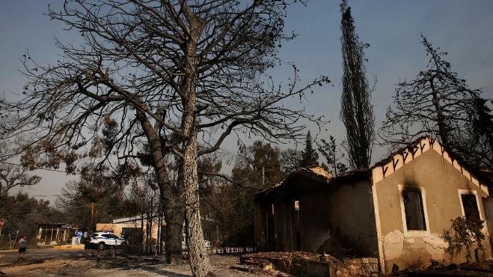 Με βίντεο από drones ψάχνουν τον «εμπρηστή της Βαρυμπόμπης»