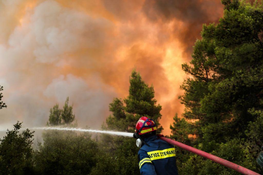 Φωτιά στην Αττική – Πέντε οι εγκαυματίες από την πύρινη λαίλαπα