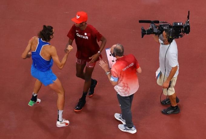 Ολυμπιακοί Αγώνες – Υπέροχη στιγμή στο Τόκιο – Δύο αθλητές μοιράστηκαν το χρυσό στο ύψος