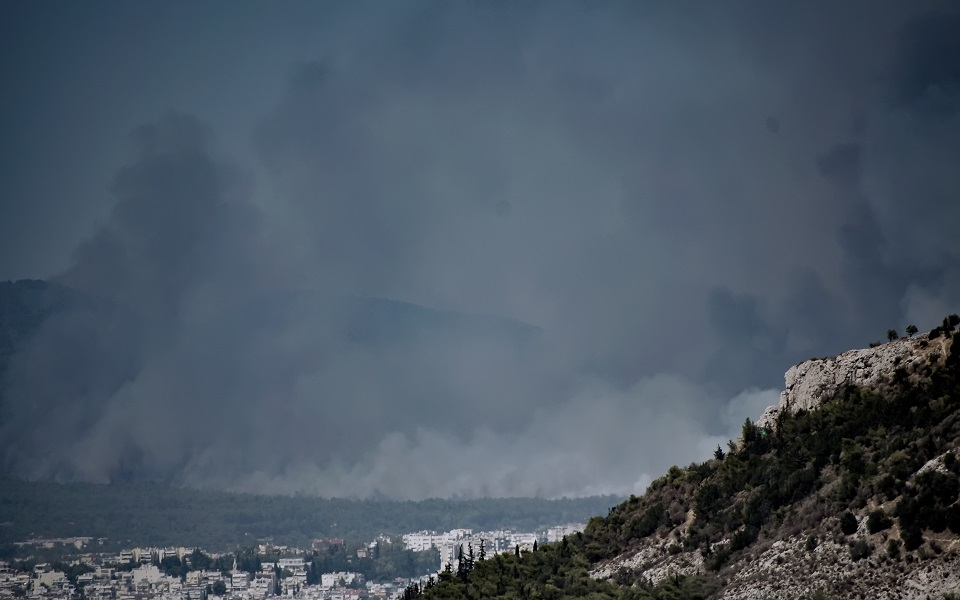 Σπίρτζης για φωτιές – «Δεν μπορεί κυβέρνηση και Μητσοτάκης να αλληλοσυγχαίρονται ενώ έχουν μεγάλες ευθύνες»
