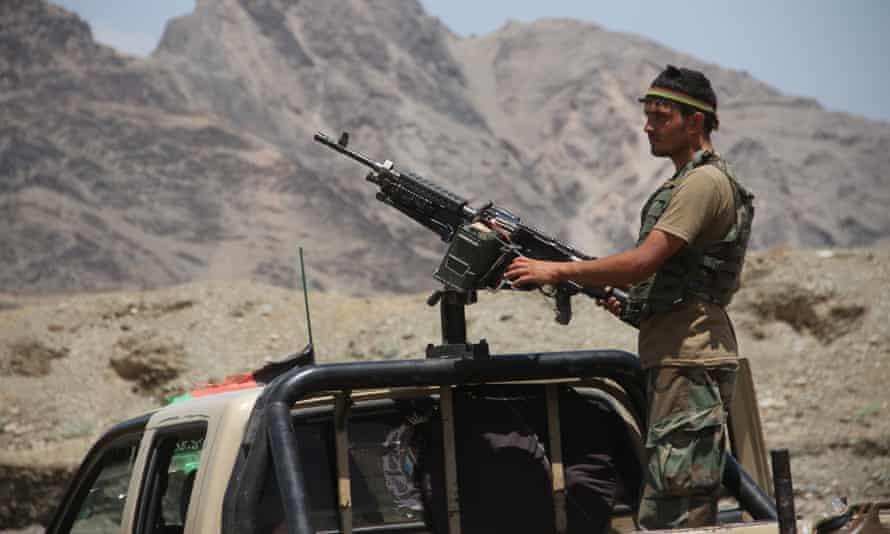 Αφγανιστάν – Μαίνονται οι μάχες στις μεγάλες πόλεις – Γέμισαν πτώματα οι δρόμοι