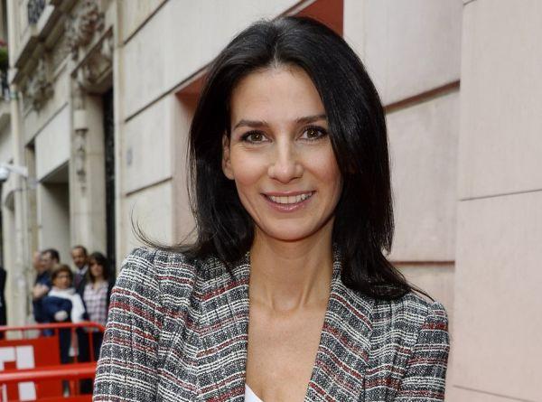 Η γοητευτική Marie Drucker είναι η επιτομή της stylish Γαλλίδας