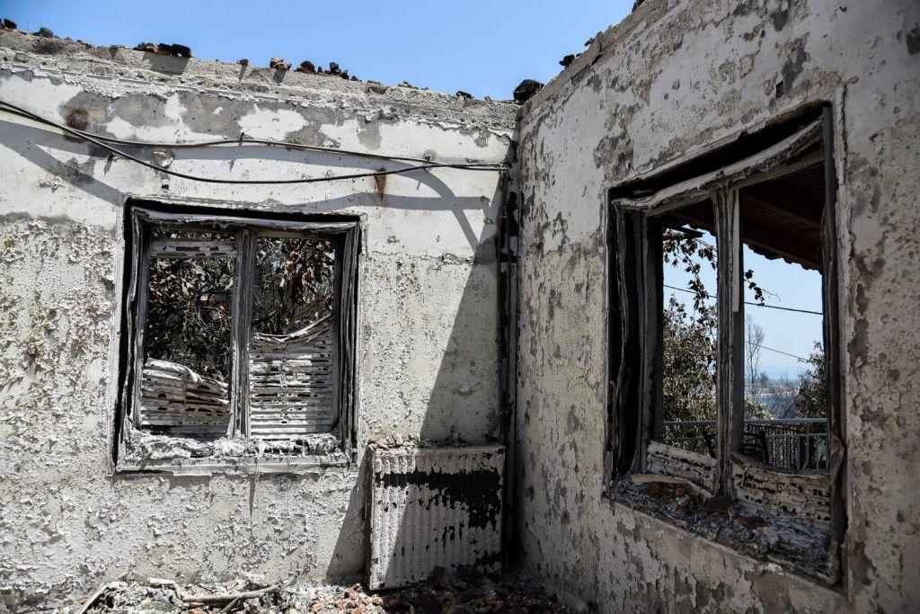 Φωτιά στην Αχαΐα – Ολονύχτια μάχη με τις φλόγες έδωσαν οι πυροσβέστες – Ανυπολόγιστες ζημιές