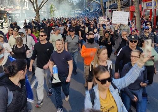 Μελβούρνη – Επεισόδια διαδηλωτών – αστυνομίας σε συλλαλητήριο κατά του lockdown