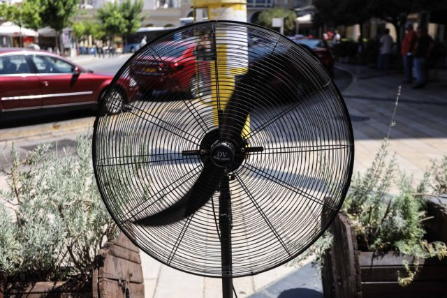 Καύσωνας – Ακόμη πιο υψηλές θερμοκρασίες εώς την Πέμπτη – Πού θα «χτυπήσει» 47άρια