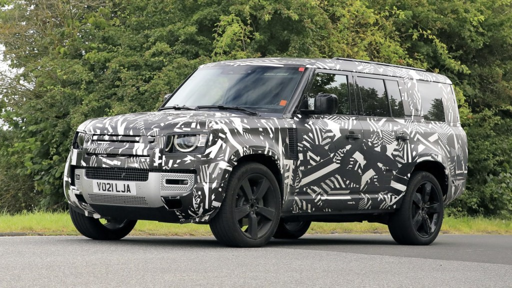 Land Rover Defender 130: Υπερβάλλον… μήκος