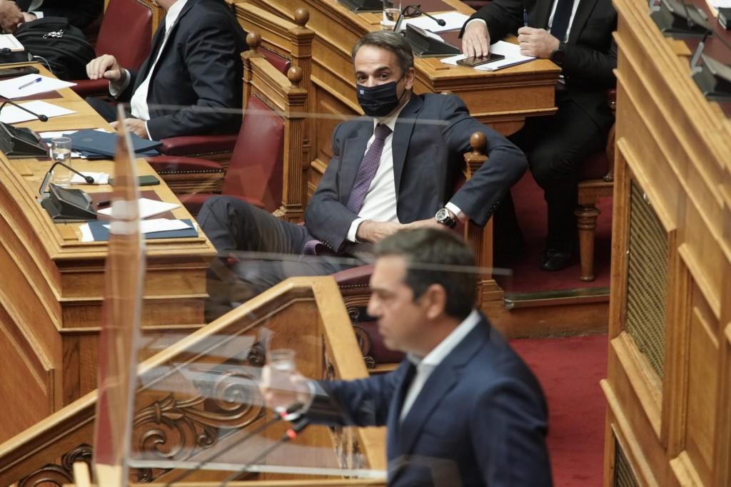 Ηλιόπουλος – «Απομονωμένος και φανερά εκνευρισμένος ο Μητσοτάκης, εκτόξευε προσβολές στη Βουλή»