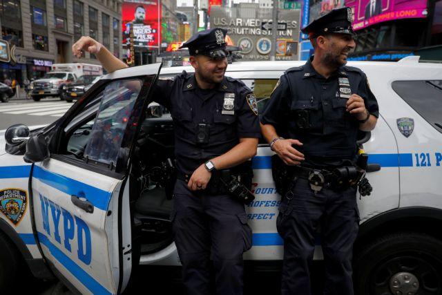 Νέα Υόρκη – Εμβολιασμός ή υποχρεωτικά μάσκα για τους αστυνομικούς